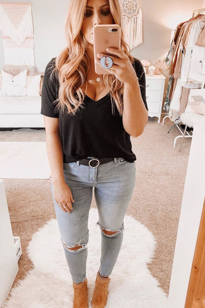 V Neck Tee + Levi's Skinny Jeans | 21+ Lovely Summer Dresses Inspired by Fashion Influencers