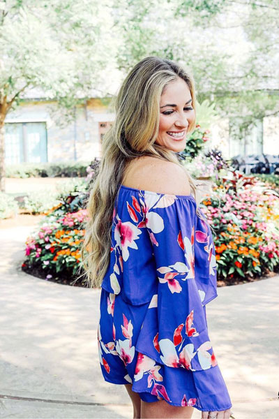 Floral Romper | 19 Classy Outfit Ideas To Finish This Summer With Style