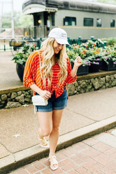 Orange Tee + Shorts | 21+ Lovely Summer Dresses Inspired by Fashion Influencers