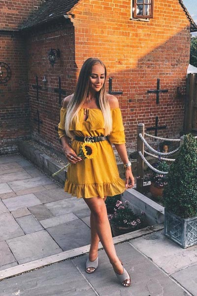 Skater Dress in Mustard | 25 Perfect Summer Outfits That Always Looks Fantastic