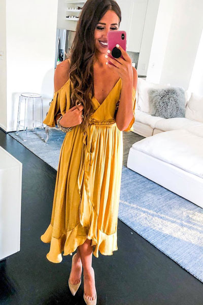 Bardot Bea Dress + Hazel Pointed Toe Heel | 19 Classy Outfit Ideas To Finish This Summer With Style