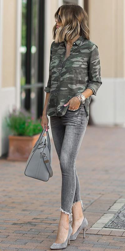 Camo Boyfriend Shirt + Denim Leggings | 15+ Trendy Street Style Outfits to Copy ASAP