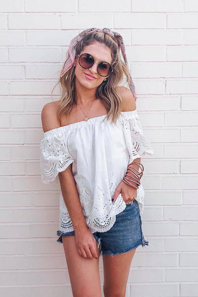 Off Shoulder Lace Top in White | 25 Perfect Summer Outfits That Always Looks Fantastic