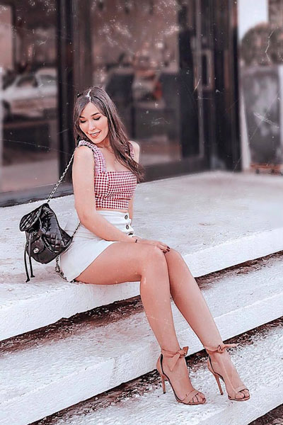 Crop Top+ Bottoms+ Open Toe Sandals | 51+ Popular Summer Outfits You Should Already Own