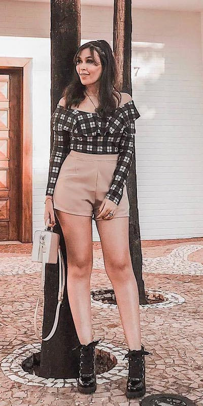 Lace Up Waist Shorts | 15+ Trendy Street Style Outfits to Copy ASAP