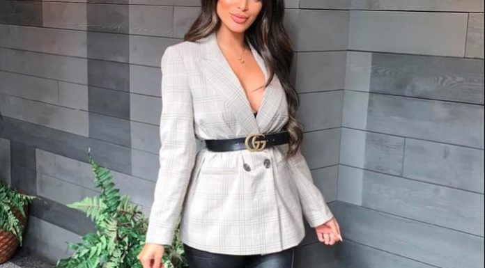 Blazer outfits are arguably the best work outfits. So we've rounded up 25 Women's Blazer Outfit Ideas To Conquer Everything.