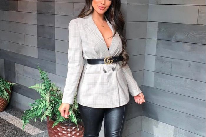 4f5dba47fbd4 25 Women's Blazer Outfit Ideas To Conquer Everything - Hi Giggle!